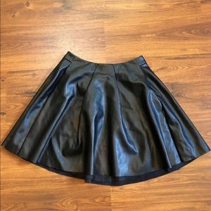 Bebe Faux Leather Pleated Skirt in Black Size 2